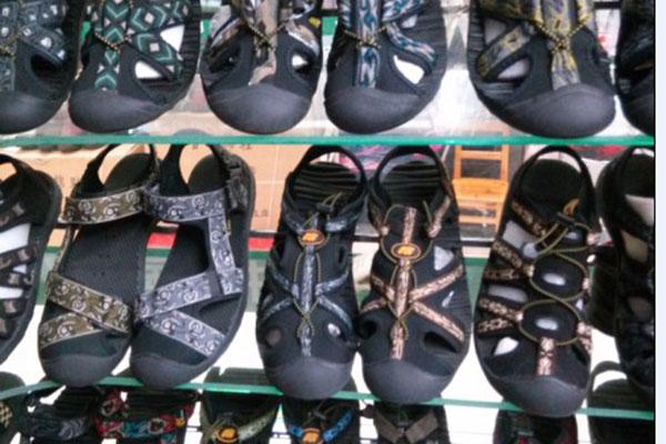 OEM China China Products Sourcing -   Sandals slippers yiwu footwear market yiwu shoes10384 – Kingstone